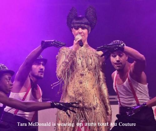 Tara McDonald en concert NRJ porte on aura tout vu Couture 2 .jpg