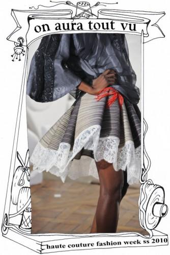 luxe défilé haute couture, top à trèfles